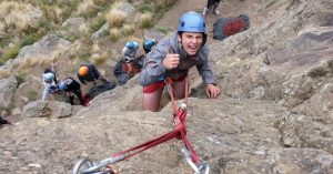 Learning to climb with oenz