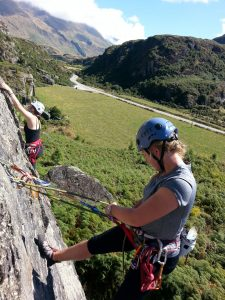 Learning to rock climb with oenz-Outdoor Education New Zealand
